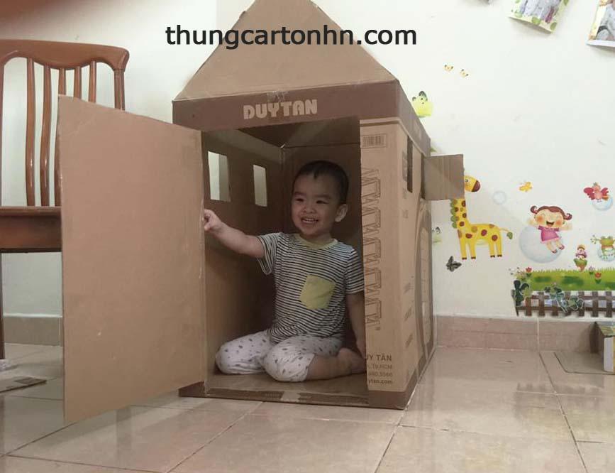 ngôi nhà nhỏ cho bé từ thùng carton