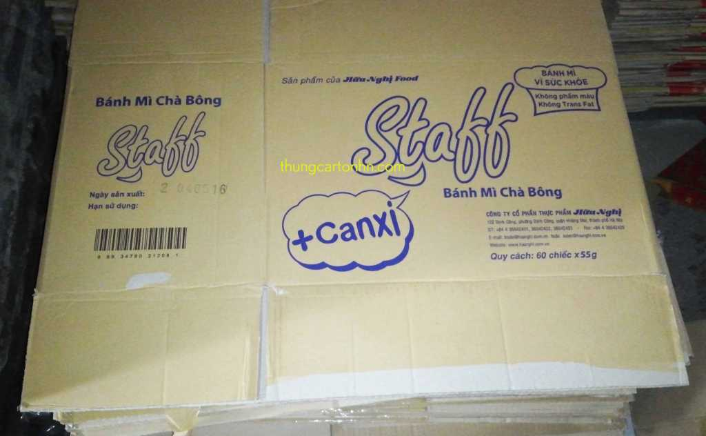 thùng carton staff