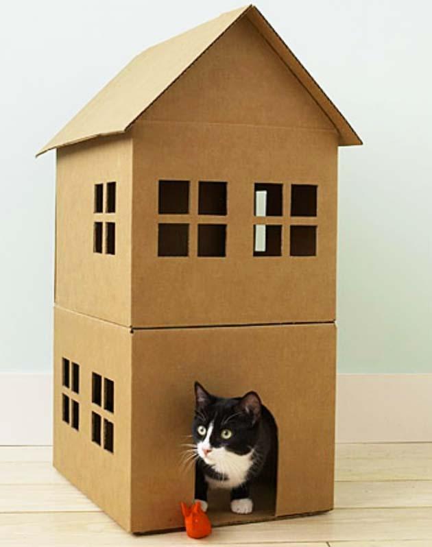 nhà cho thú cưng được làm từ thùng carton