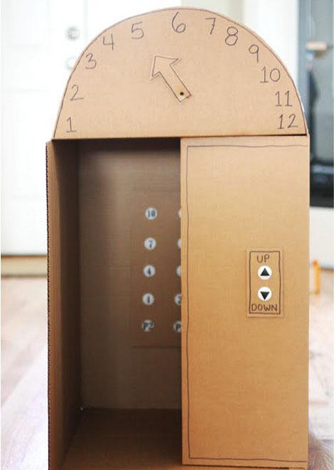 thang máy được làm từ hộp carton
